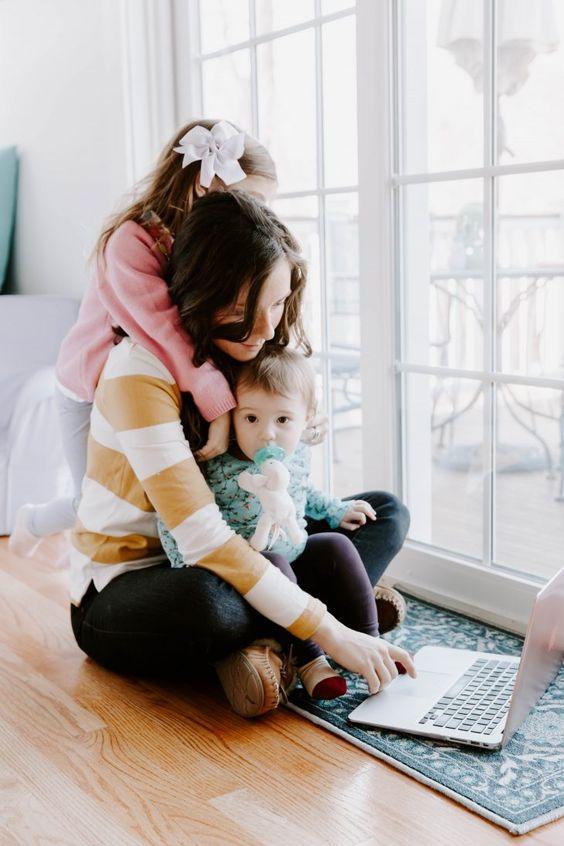 Няколко идеи за бизнес от дома за бъдещи майки